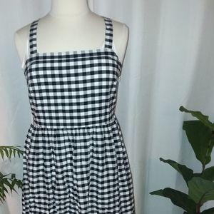 Black and white   gingham summer dress